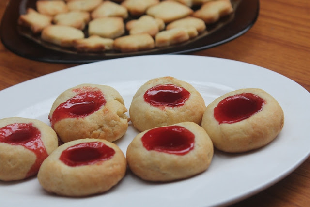 Jam Shortbread Cookies – Eggless Shortbread Thumbprint Cookies Recipe