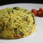 Arisi Paruppu Sadam Recipe – Healthy Dhal Spinach Rice Recipe