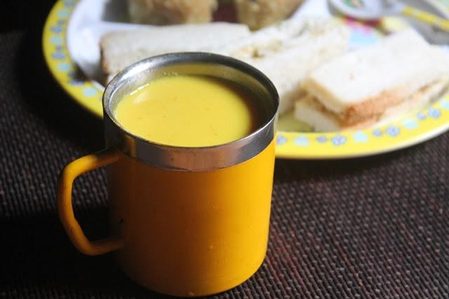 Warm Turmeric Milk Recipe – Haldi Doodh Recipe – Manjal Paal Recipe