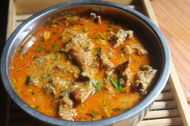 Basic Chicken Curry Recipe – Nattu Kozhi Kuzhambu Recipe
