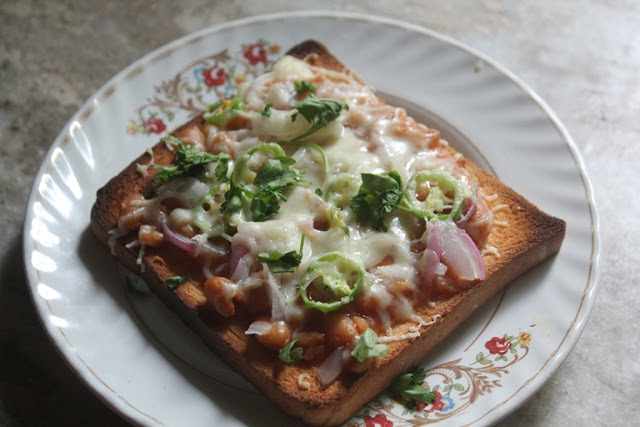 Baked Beans on Toast – Indian Style