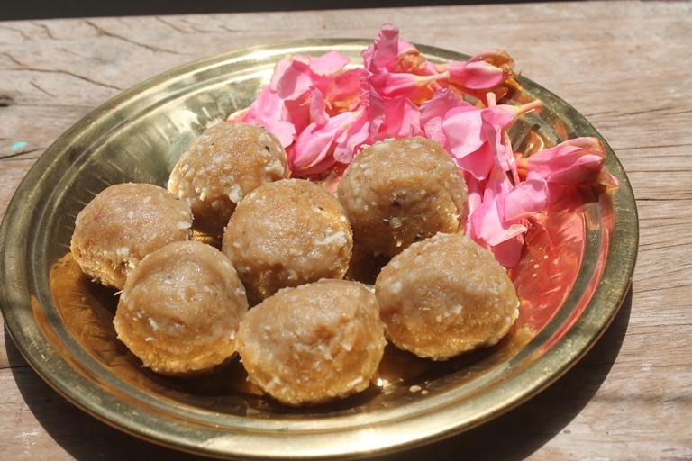 Aadi Kozhukattai Recipe – Aadi Festival Recipes