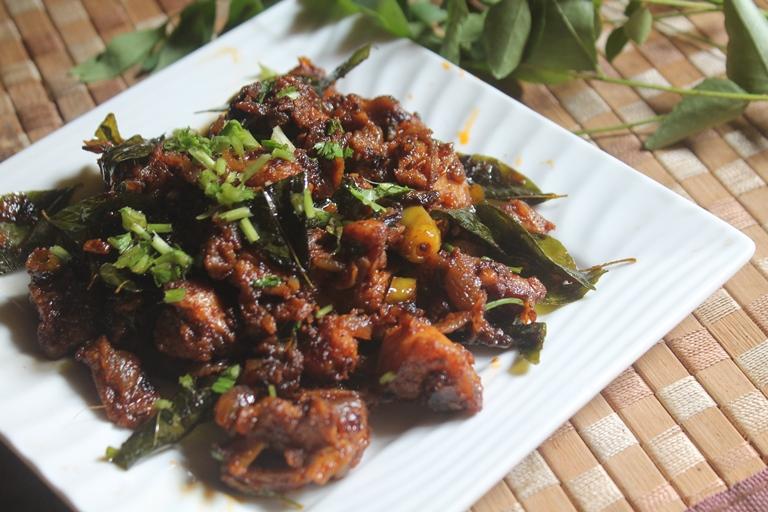 Pichu Potta Kozhi Varuval Recipe - Shredded Chicken Fry Recipe