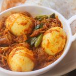 Egg Roast for Aapam – Mutta Roast Recipe