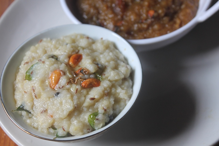 Aval Kara Pongal Recipe – Spicy Poha Pongal Recipe