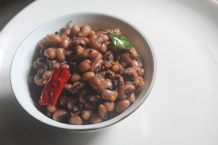 Black Eyed Peas Sundal Recipe – Karamani Sundal Recipe
