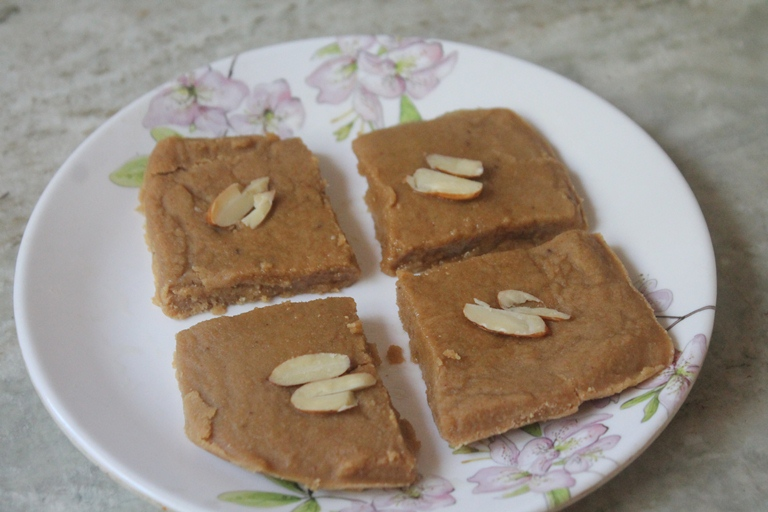 Gur Papdi Recipe – How to Make Jaggery Barfi (Burfi)