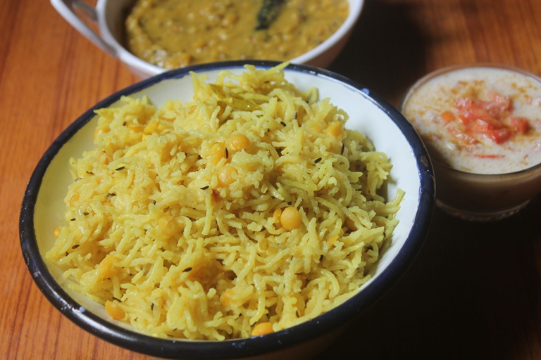 Chana Dal Pulao Recipe – Chana Dal Rice Recipe – Kadalai Paruppu Pulav Recipe