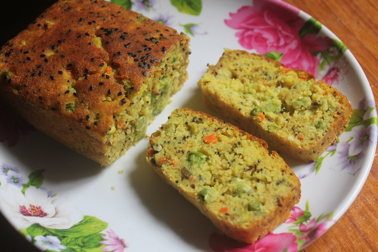 Savoury Semolina Cake Recipe – Tea Time Spicy Sooji Cake Recipe – Rava Cake