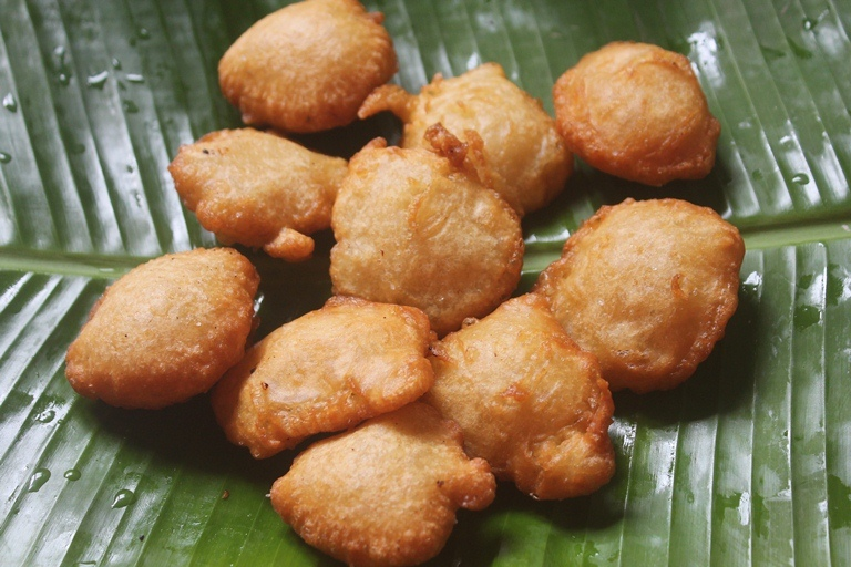 Cheeni Paniyaram Recipe – Maida Paniyaram Recipe