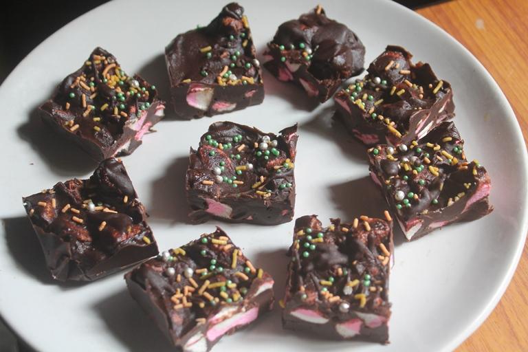 Christmas Marshmallow Fudge Recipe – Christmas Special Recipes