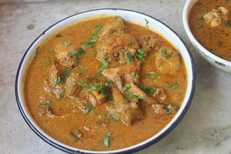 Chicken Kuzhambu Recipe – Easy Chicken Curry Recipe