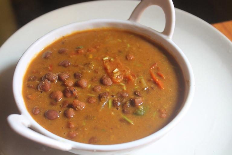 Kala Chana Masala Recipe – Black Chickpeas Curry Recipe