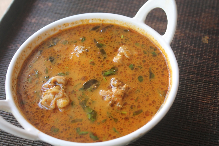 Erode Style Chicken Thanni Kuzhambu Recipe