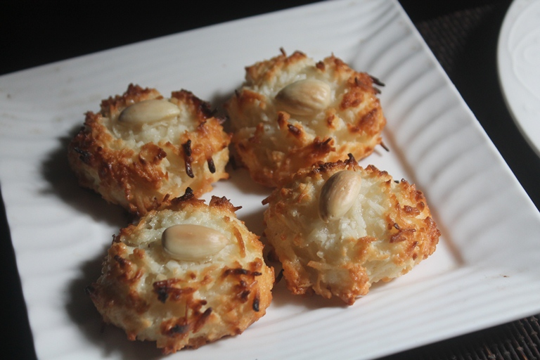 Coconut Macaroons Recipe – Chewy Coconut Macaroons Recipe