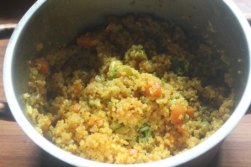 how to prepare quinoa upma