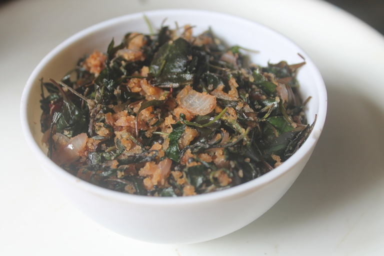 Spinach Stir Fry with Breadcrumbs (without Coconut)