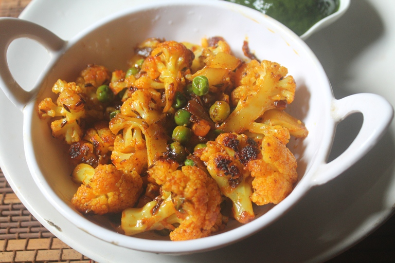 Everyday Gobi Matar Recipe – Cauliflower with Peas