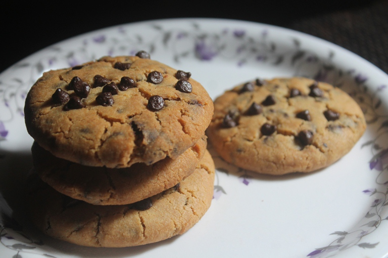 Eggless Chewy Chocolate Chip Cookies Recipe