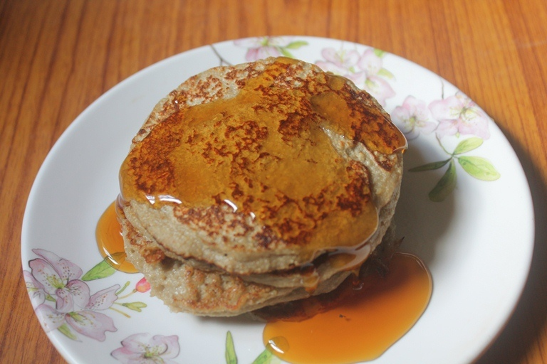 Flourless Pancakes Recipe – Flourless Banana Oats Pancakes Recipe