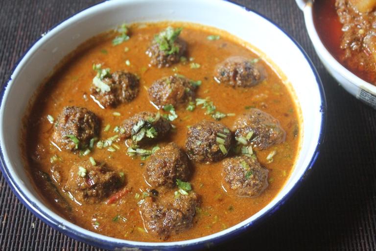 Chettinad Kola Urundai Kuzhambu Recipe – Mutton Keema Recipes