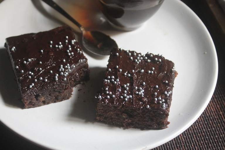 Eggless Chocolate Banana Sheet Cake Recipe