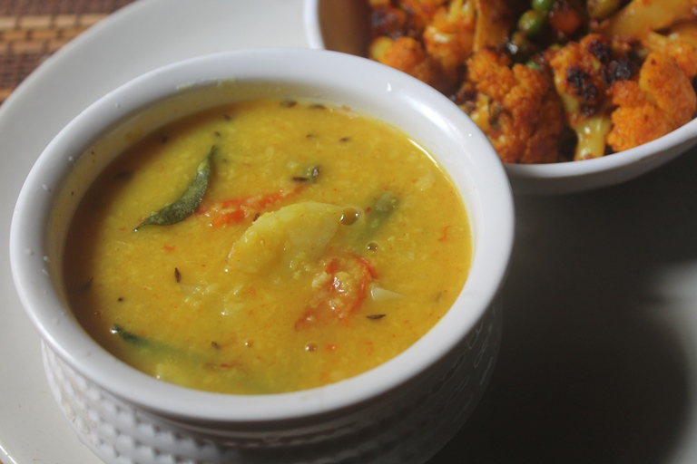 Aloo Dal Recipe – Potato Moong Dal Recipe