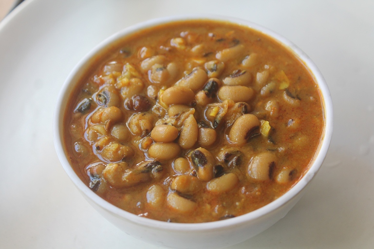 15-Minute Lobia Curry Recipe – Black Eyed Peas Curry Recipe