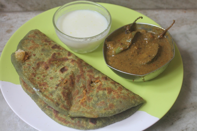Spinach & Cauliflower Paratha Recipe