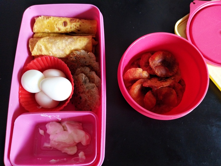 Carrot Chapati, Quail Egg, Potato Patties – Kids Lunch Box 8