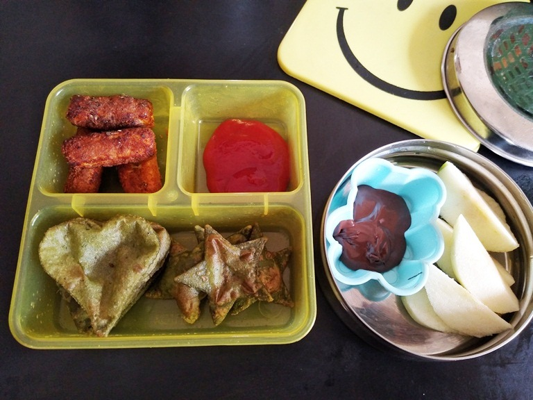 Spinach Poori, Paneer Fingers -Kids Lunch Box Ideas 11