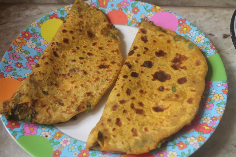 Spinach & Paneer Paratha Recipe