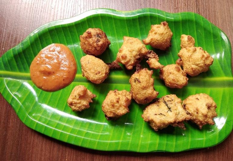 Sooji Pakora Recipe – Rava Pakoda Recipe