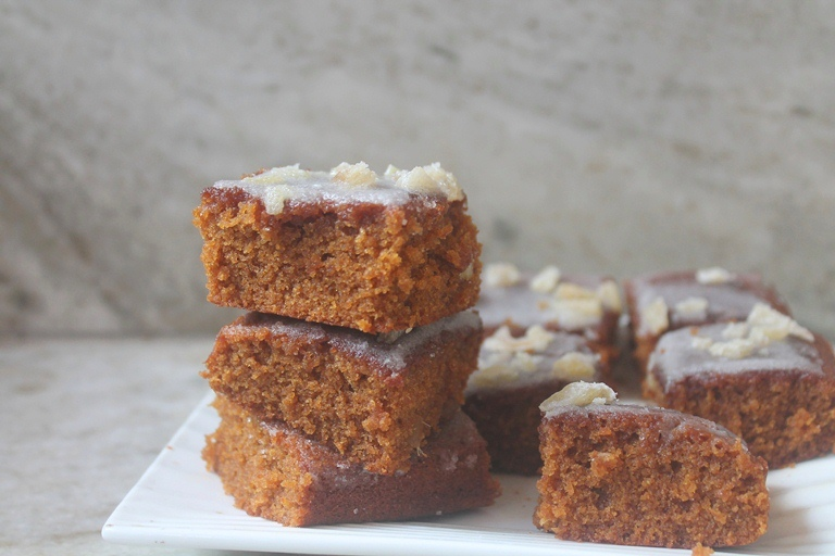 Mary Berry's Ginger & Treacle Spiced Tray Bake Recipe