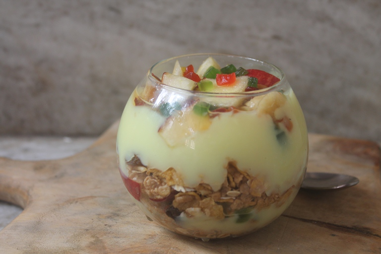 Granola Custard Trifle Recipe – Easy Breakfast Recipes
