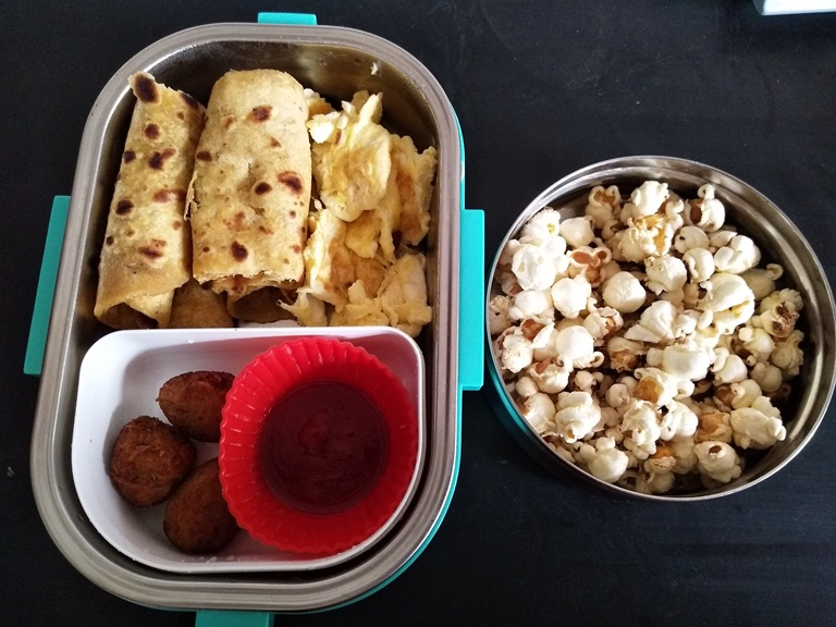 Banana Chapati, Scrambled Eggs, Potato Tots & Popcorn – Kids Lunch Box Ideas 21