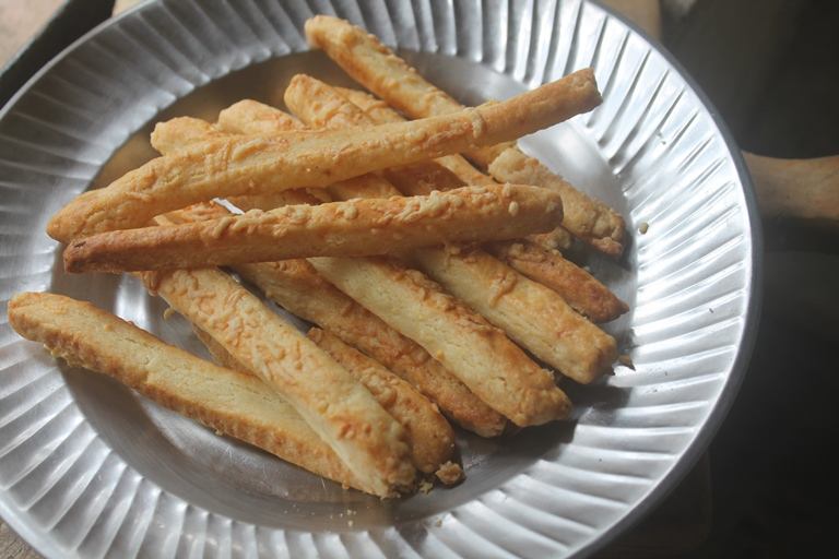 Cheese Straws Recipe – Cheddar Cheese Sticks Recipe
