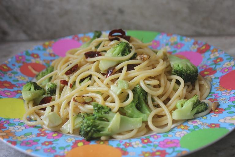 Spaghetti Aglio Olio with Broccoli – Broccoli Aglio E Olio Recipe