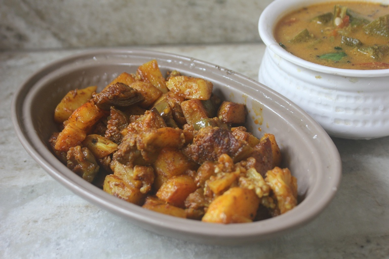 Aloo Baingan Sabzi Recipe – Potato & Brinjal Dry Curry Recipe