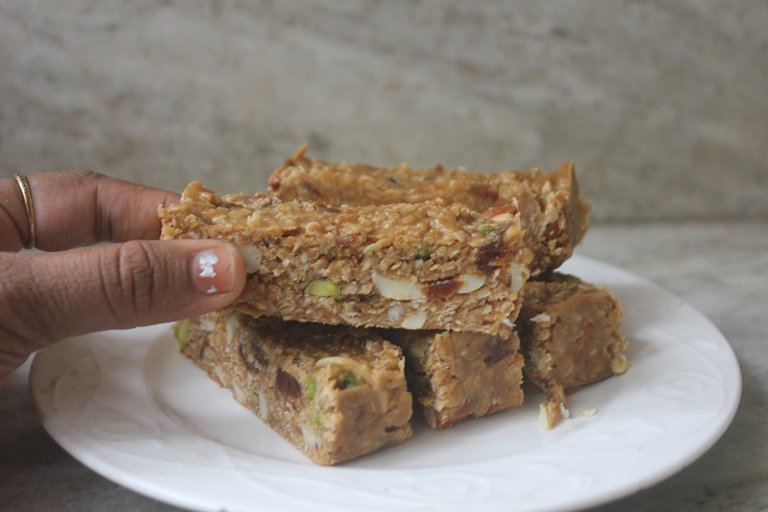 No Bake Peanut Butter Granola Bars Recipe