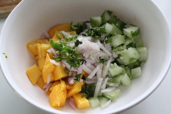 Mango Cucumber Salsa passo 4